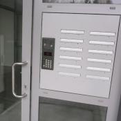 tablo s telefónom - 08